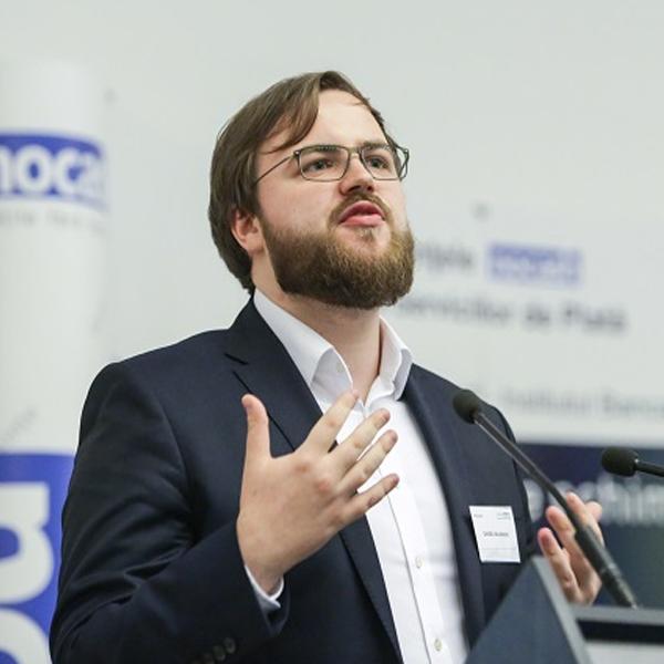 Nocashevents Daniel A. Majewski - Manager, CE FSI Strategy Consulting, Deloitte Poland